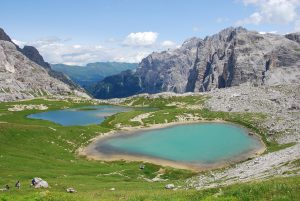 alpine-lake-1820730_1280